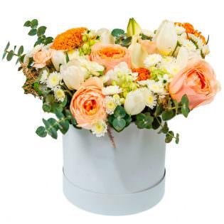 Цветы в коробке «Модница»