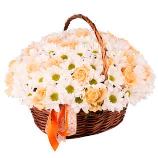 Цветы в корзинке «Комплимент»