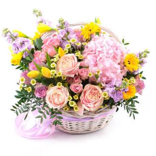 Цветы в корзинке «Рассвет»